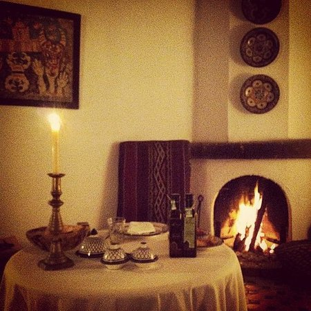 Villa Maroc: dinner for 1 by the fire...perfect!