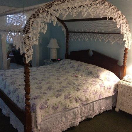 Amsterdam's Curry Mansion Inn: King bed