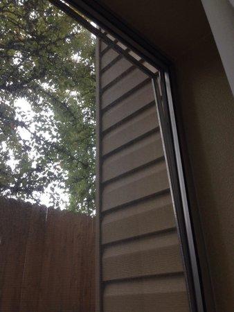 La Quinta Inn & Suites Portland NW: That's not safe :(