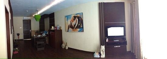 Devata Suites and Residence: living room, kitchen & dining table on the 2 bedrooms suite