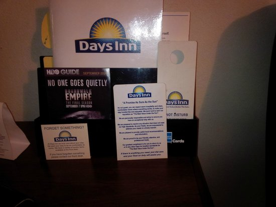 Days Inn Chester : Old brochures