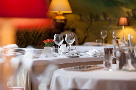 Best Western Le Relais de Laguiole Hotel & Spa: salle de restaurant