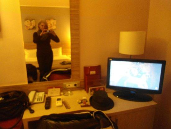 RIN Central Hotel Bucharest : Εγω ειμαι..μεσα στο δωματιο