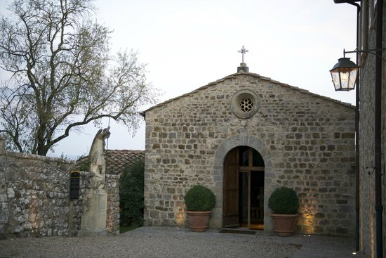 Rosewood Castiglion Del Bosco : chapel and kitchen behind
