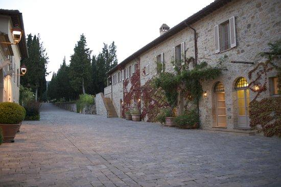 Rosewood Castiglion Del Bosco : main street