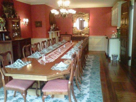 Ivy Lodge: Beautiful Breakfast Room
