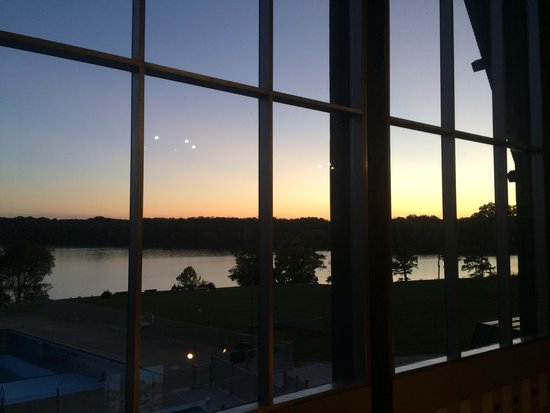 Hueston Woods Lodge and Conference Center : View of lake from lodge lobby