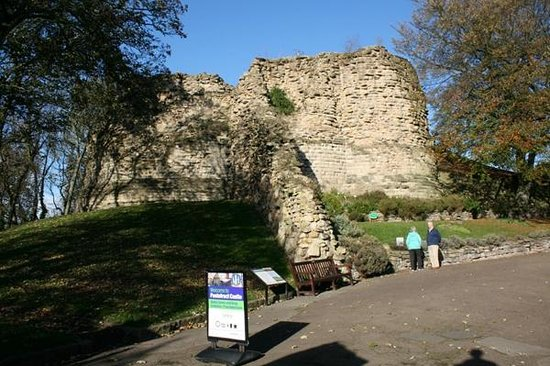 Pontefract Castle: The Keep