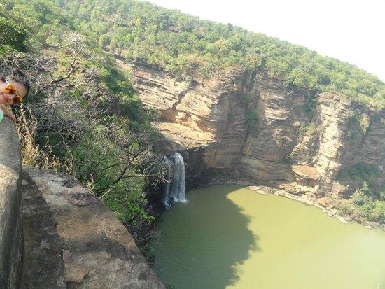 Chandauli, Indien: the Devdari falls and rugged terrain