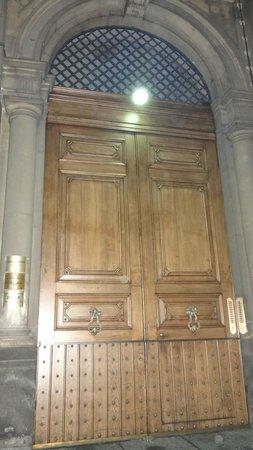 Hotel Regina Margherita: Porte  du Regina Margherita, Catane, Sicile, Italie