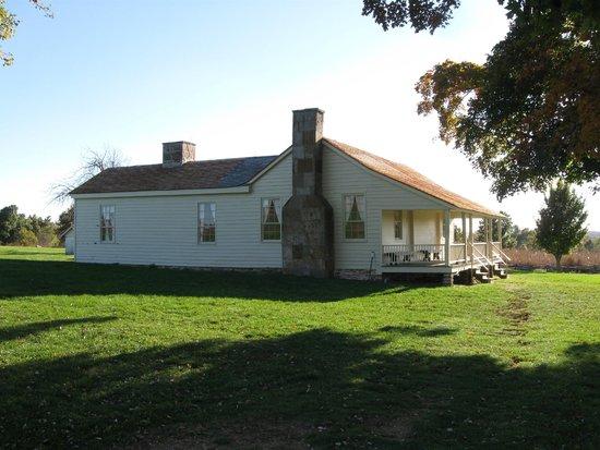 Wilson's Creek National Battlefield: ray house