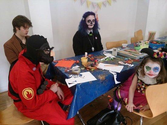 Soho House Museum: Halloween crafts at Soho house.
