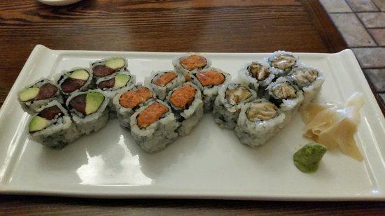 Lily Asian Restaurant : Tuna avocado/spicy tuna/mushroom rolls