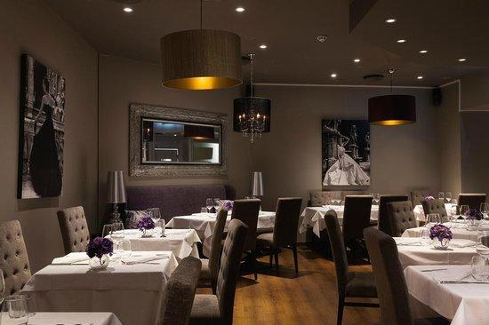 +39 Italian Gourmet & Enoteca: Overblikk i restauranten