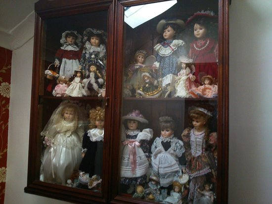 The Cresta Hotel: Spooky dolls.
