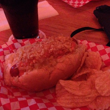 Simon's Hot Dogs: Colombian hot dog and chips