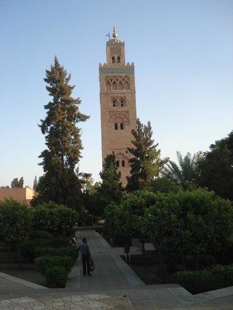 Hotel Gomassine : Koutoubia Mosque...a mile away - easy walk.
