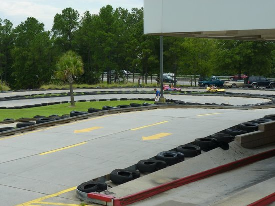 Frankie's Fun Park: race track