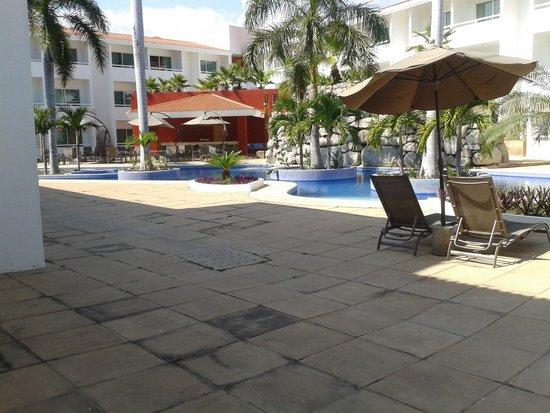 La Isla Huatulco & Beach Club: desde la alberca