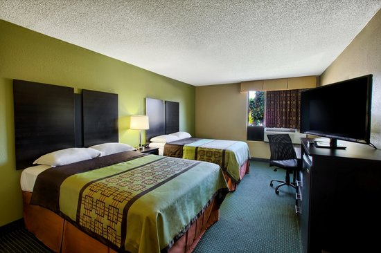Super 8 Raleigh North East : Double Room