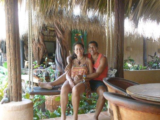 Regalo del Mar Vacation Inn: Shared kitchen/dining area