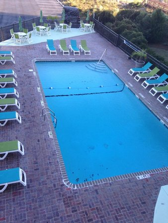 The Mermaid Inn: Nice large pool for such a sweet place