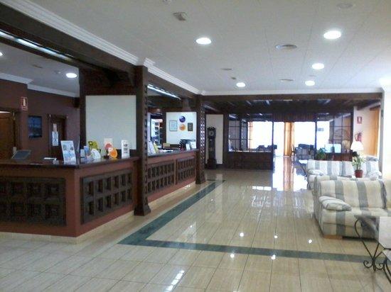 Blue Sea Puerto Resort : Recepción y Hall