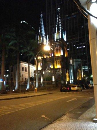 Hotel ibis budget Rio de Janeiro Centro: Vista da frente do hotel.