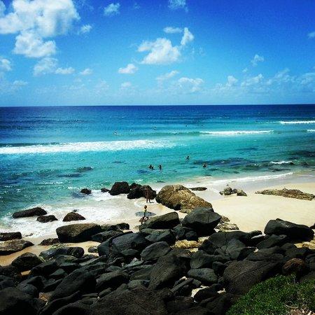 Kirra Beach : Passaria horas so olhando.