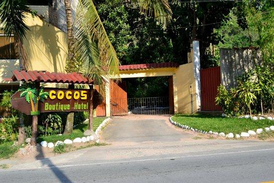 Cocos Boutique Hotel: Ingreso al Hotel
