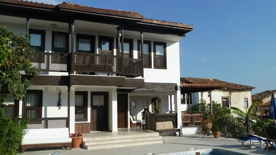 Villa Konak Hotel Kusadasi: Back of hotel