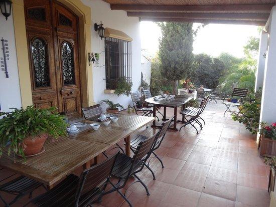 Casa Domingo: Ontbijt op terras