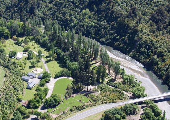 Ashley Gorge Holiday Park : Enjoy the river,bush,and bird song.