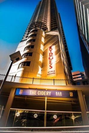 Rydges World Square Sydney Hotel: The Cidery Bar & Kitchen