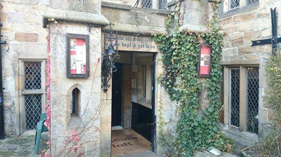 Bagdale Hall Hotel: Entrance