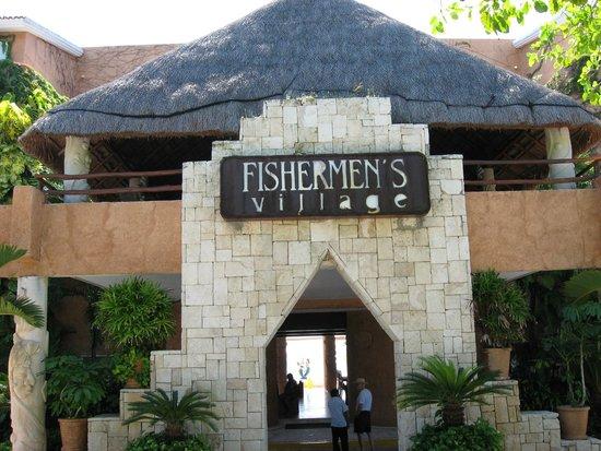 Sunset Fishermen Spa & Resort: Entry