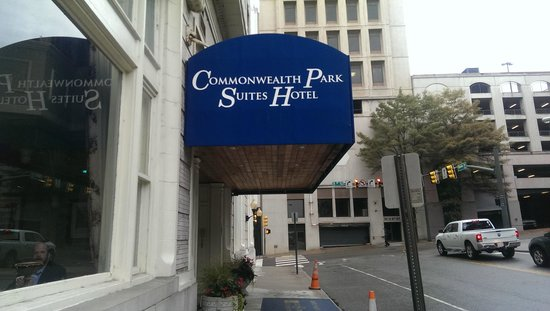 Commonwealth Park Suites Hotel : Canopy