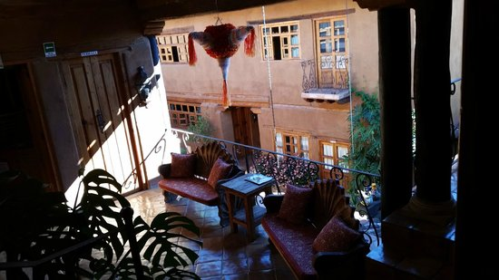 Hotel Casa Encantada : Upper floor common patio