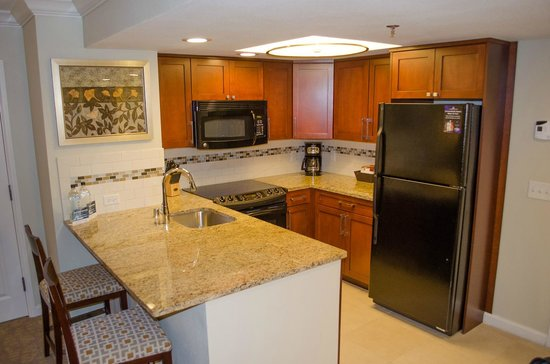 Hilton Grand Vacations on Paradise (Convention Center): Nice kitchen with good fullsize appliances and decent work area
