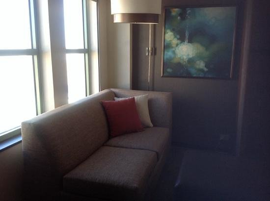 Hyatt Place New Orleans/Convention Center: cute sitting area by the window