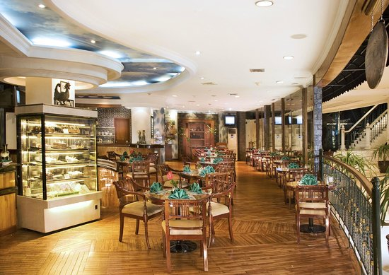 The Media Hotel And Towers: The Deli Cake Shop