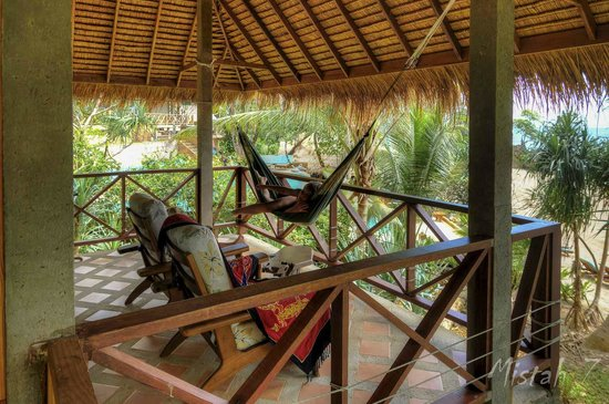 Narima Bungalow Resort: View over the balcony of Bungalow A1