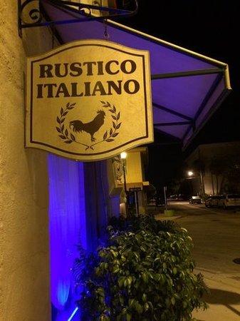 Rustico Italiano Restaurant : from the outside