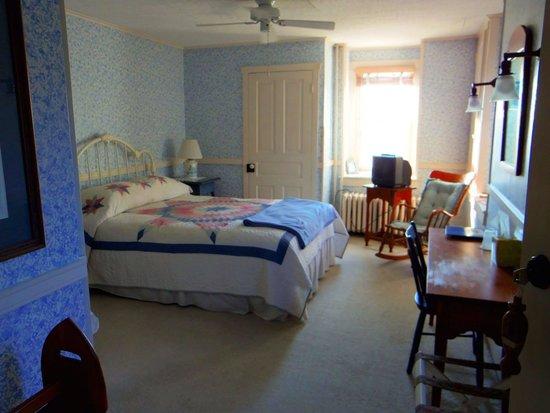 Boxwood Inn Bed & Breakfast: Farmview room