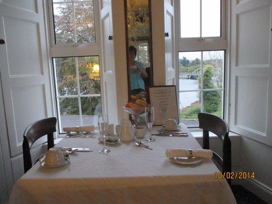 Muxnaw Lodge: breakfast area