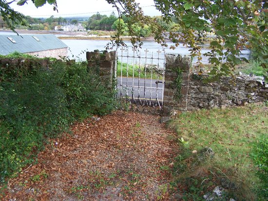 Muxnaw Lodge: the gate
