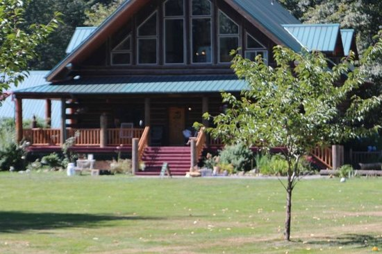 Wallace Falls Lodge: outdoors