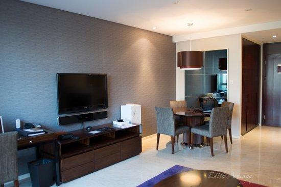 Oakwood Residence Beijing: Living Dinning Room