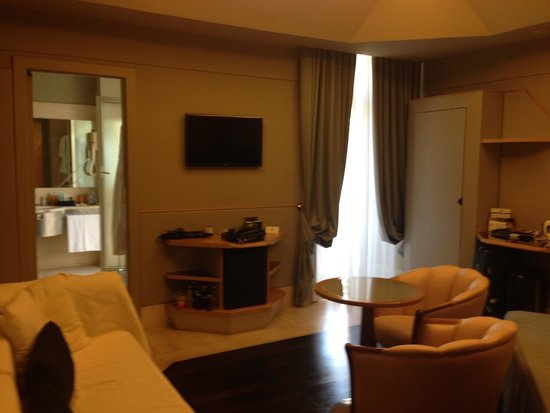 Hotel Isa: Room on 5th floor #9