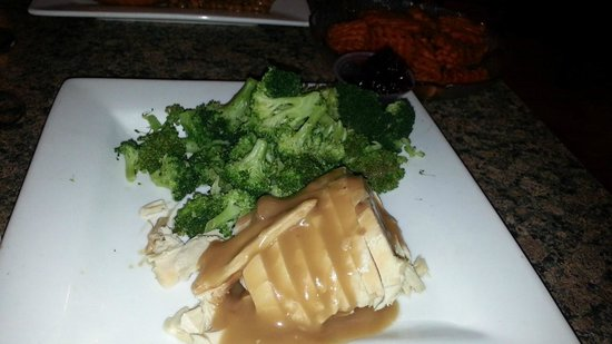 Marilyn's Cafe: Turkey and Broccoli